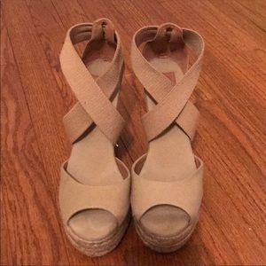 Tory Burch Tan Wedge Sandels Size 7.5